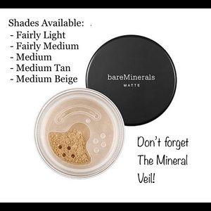 Bare Mineral's Loose Powder Matte Foundation